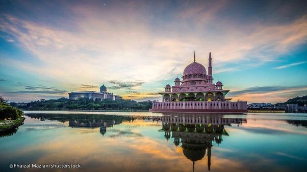 السياحة في بوتراجايا : أفضل الاماكن السياحية في بحيرة بوتراجايا ماليزيا