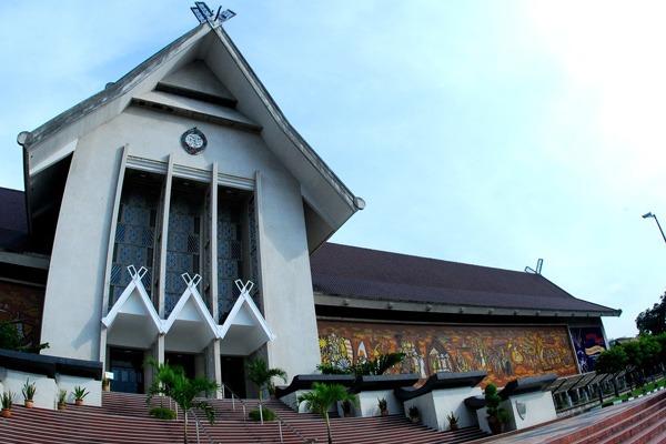 المتحف الوطني في كوالالمبور ماليزيا : سعر الدخول وطريقة الوصل له